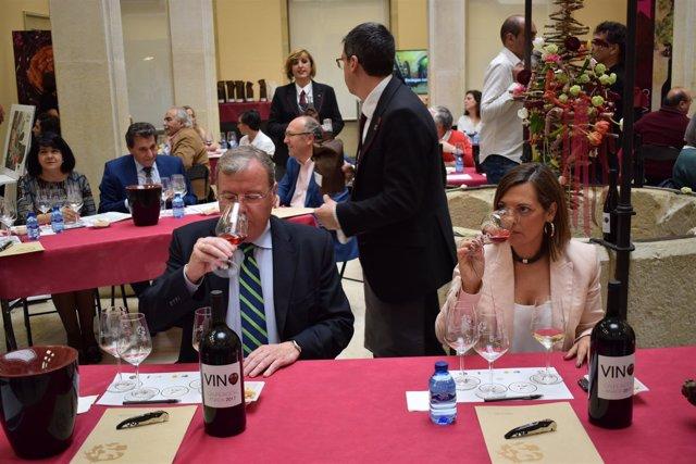 Silván (I) y Marcos (D) durante la cata de vino 25-5-2018