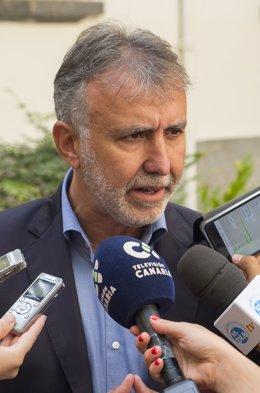 El secretario general del PSC-PSOE, Ángel Víctor Torres
