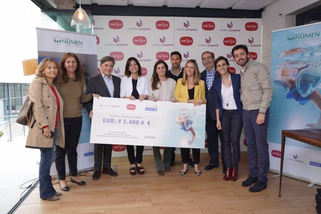 Entrega cheque Carrefour a Fundación Numen