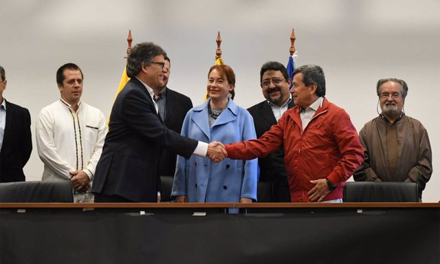 Las delegaciones del Gobierno y del ELN en el diálogo de paz