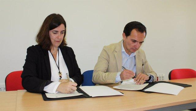 Firma de convenio entre la Junta y el Ayuntamiento de Aljaraque
