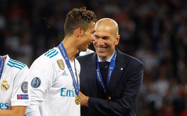 Zidane: 'Cristiano se tiene que quedar sí o sí'