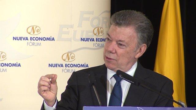 Juan Manuel Santos En Un Desayuno Informativo