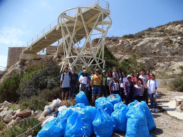 Recogida voluntaria de basura en Cartagena