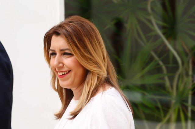 Susana Díaz en los pasillos del Parlamento andaluz