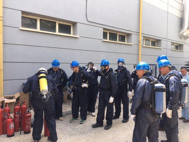 Profesionales de mantenimiento del CLinico Virgen Victoria curso emergencias