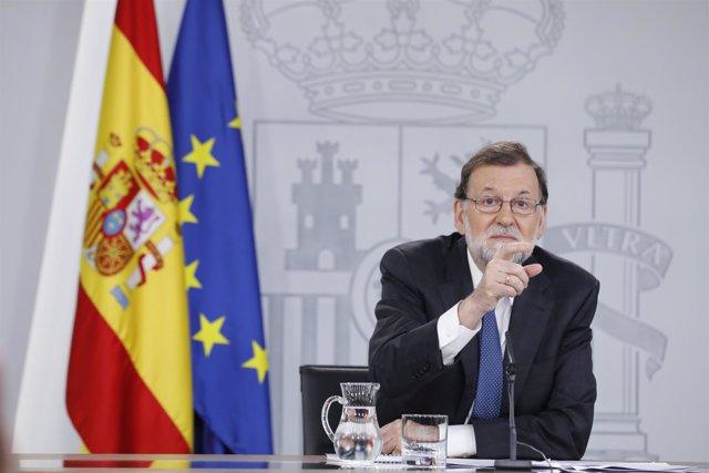 Rajoy comparece en Moncloa tras presentar el PSOE la moción de censura