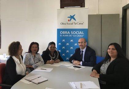 'la Caixa' colabora en digitalizar aulas de educación para adultos de la Federación Asociaciones Gitanas de Aragón