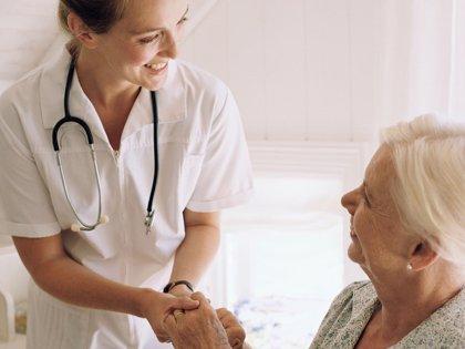 Un neurólogo recomienda que pacientes con esclerosis múltiple cuenten a sus médicos problemas como hormigueo o calambres