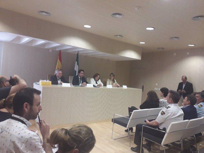 La junta pone en marcha la nueva oficina judicial en los for Oficina empleo almeria