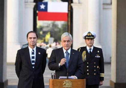 Piñera firma un proyecto de ley para incluir la igualdad de género en la Constitución de Chile