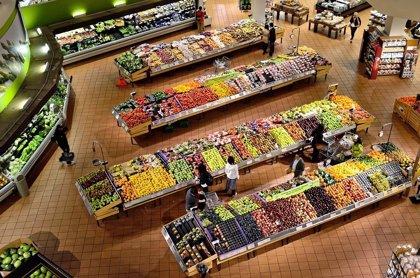 ¿En qué gastan los españoles cuando hacen la compra?