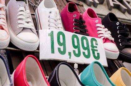 Las ventas del comercio al por menor suben un 0,6% y el empleo baja un 0,7% en abril en Andalucía