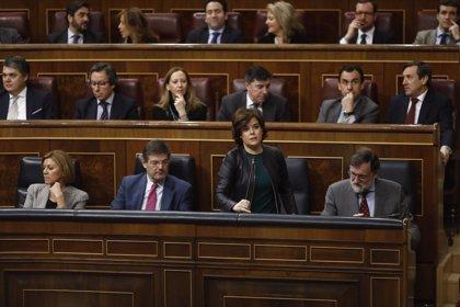 """Santamaría asegura que la moción de Sánchez responde a su """"ambición por el poder"""" y está costando 36.000 millones"""
