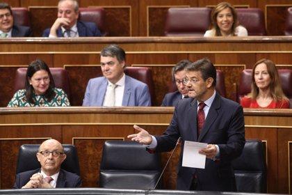 """Catalá califica la moción de censura de """"aquelarre con lo peor de cada casa"""" y niega condena al PP por Gürtel"""