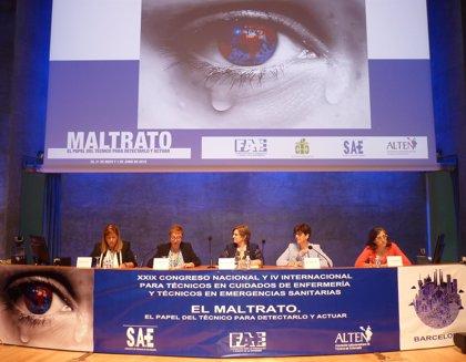 Proponen crear una guía de actuación de técnicos sanitarios ante el maltrato infantil