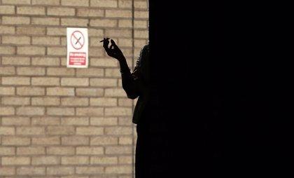 Las mujeres representan el 64% de los fumadores en España