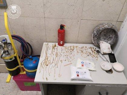 Detenido un hombre en el centro de Madrid con una bolsa llena de joyas de dudoda procedencia