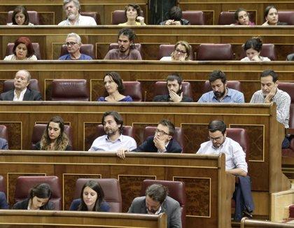 """Diputadas de Podemos identifican con """"Cuéntame"""" el discurso de Ábalos en la moción de censura"""