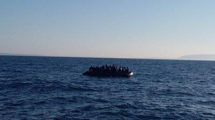 Interceptadas siete pateras en aguas del Estrecho durante solo unas horas