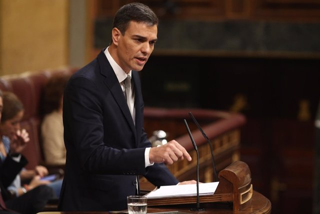 Pedro Sánchez interviene durante el debate de la moción de censura