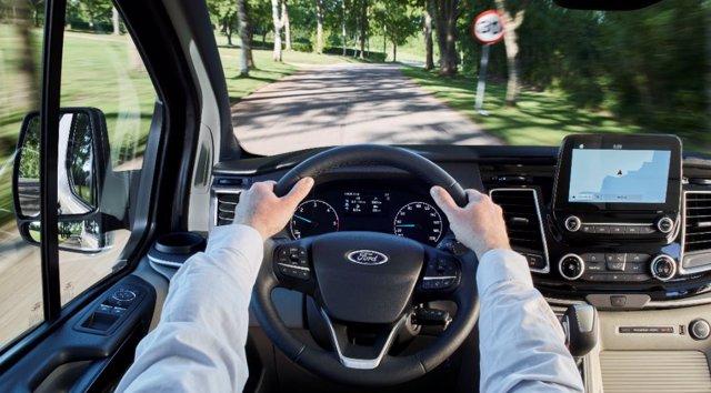 Ford Tourneo Custom. Asistencia al conductor