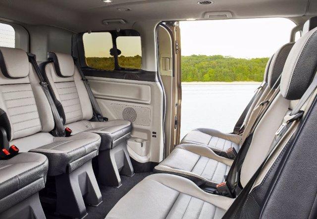 Ford Tourneo Custom para 9 pasajeros
