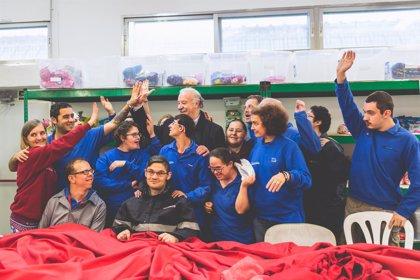 Piden ayuda para coser la camiseta de la Selección Española más grande de la historia