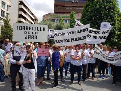 Trescientas personas en Talavera piden la moratoria a las licencias de macrogranjas en C-LM