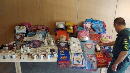 Intervienen en Vigo ropa y artículos falsificados por valor de 16.000 euros