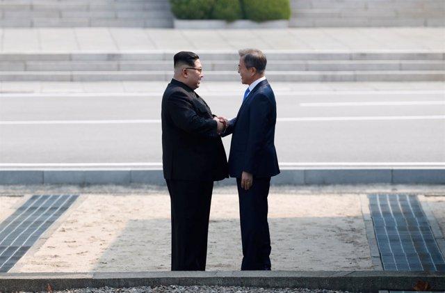 El líder norcoreano, Kim Jong Un, y el presidente surcoreano, Moon Jae In.