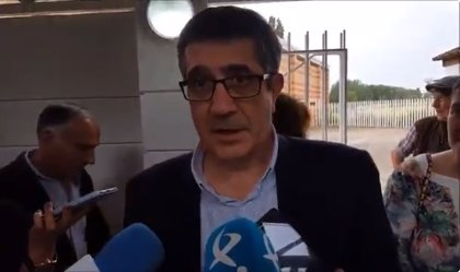 """Censura.- Patxi López (PSOE), sobre la fecha electoral: """"Un Gobierno no nace para desaparecer al día siguiente"""""""
