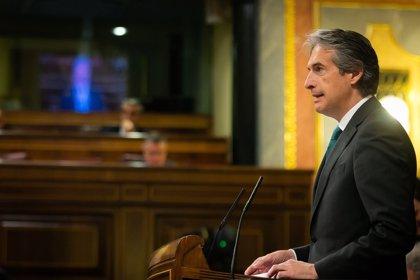 """De la Serna dice que se va """"con la cabeza muy alta"""" y lamenta cómo va a llegar Sánchez a la Moncloa"""