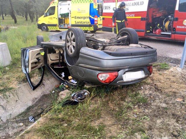 Imagen del accidente en la CL-602 en Olmedo. 1/6/2018