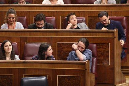 """Iglesias espera las disculpas de Rivera por """"ridiculizar"""" que llorara al recordar a las víctimas de 'Billy el Niño'"""