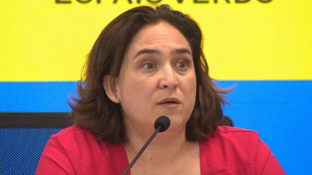 La alcaldesa de Barcelona, Ada Colau, en rueda de prensa