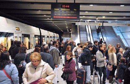 Los acompañantes de personas con gran discapacidad ya pueden viajar gratis en metro