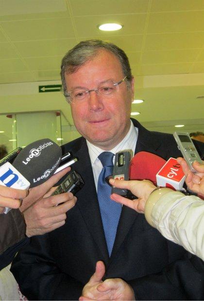 Censura-Silván advierte del peligro de gobernar con el voto de quienes no condenan el terrorismo y quieren romper España