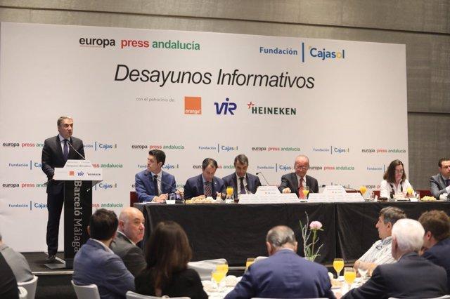 Elías Bendodo en los desayunos de EP Andalucía sobre La Vuelta