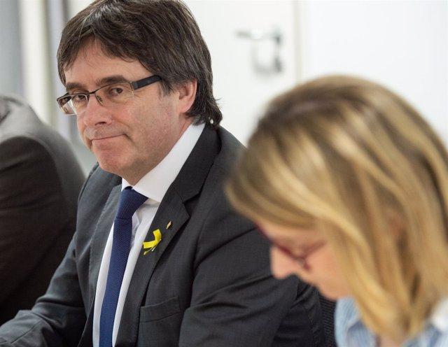 Carles Puigdemont y Elsa Artadi ofrecen una rueda de prensa en Berlín