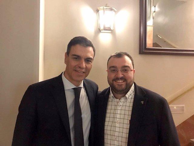 Pedro Sánchez y Adrián Barbón