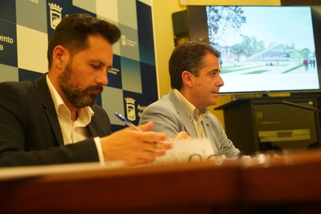 Ediles de Málaga en rueda de prensa sobre junta de gobierno local