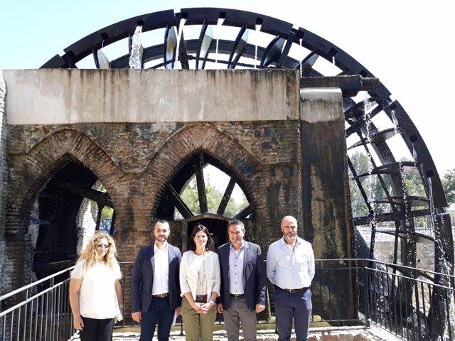 La consejera de Turismo visita la noria de Alcantarilla