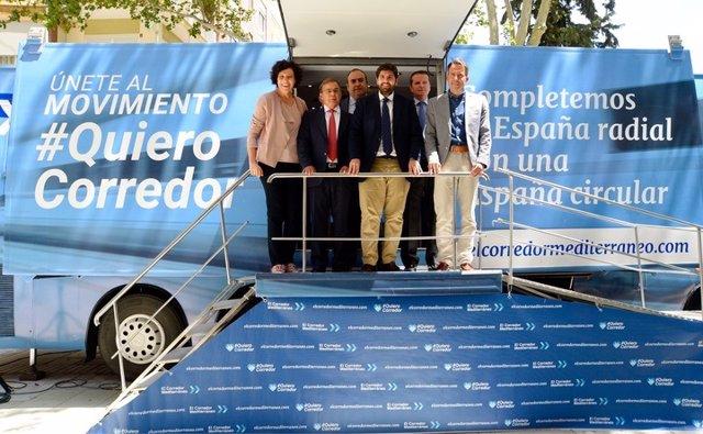 López Miras participa en la acción itinerante' #QuieroCorredor'