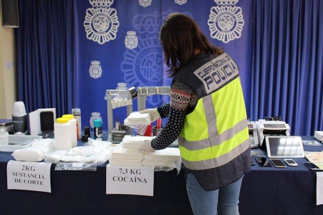 [Sevilla] La Policía Nacional Intercepta Más De Siete Kilos De Cocaína Y Desarti