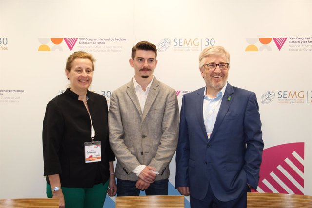 Pilar Rodríguez Ledo, Alejandro Iñarra y Benjamín Abarca de SEMG