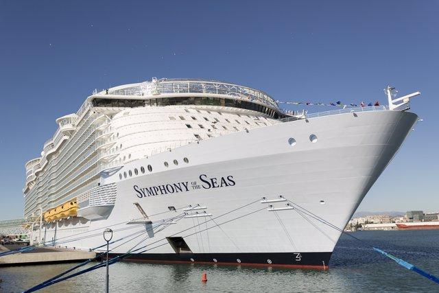 Buque de crucero en málaga symphony of the seas