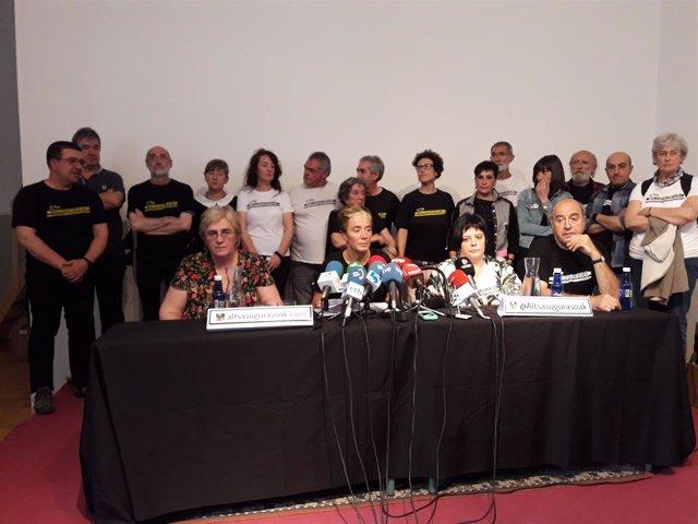 Padres y madres de los condenados de Alsasua por agresión a guardias civiles.