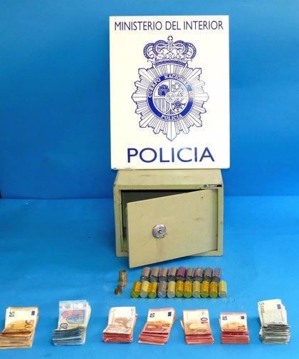 La Policía Nacional recupera intacta la caja de seguridad que fue robada en una caseta de la feria de Córdoba