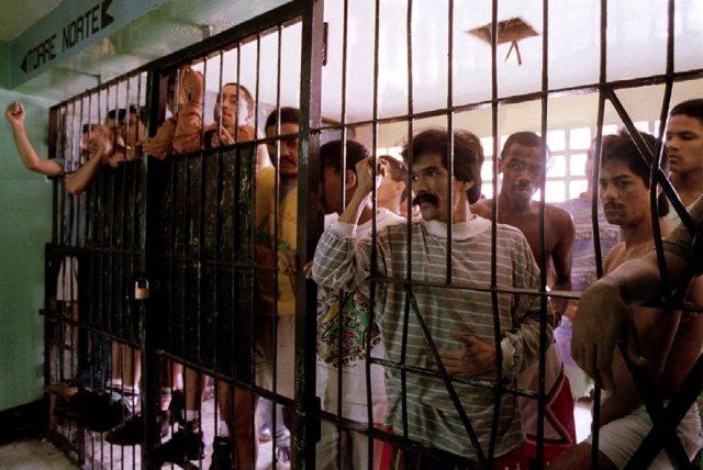 Presos En Una Cárcel Venezolana